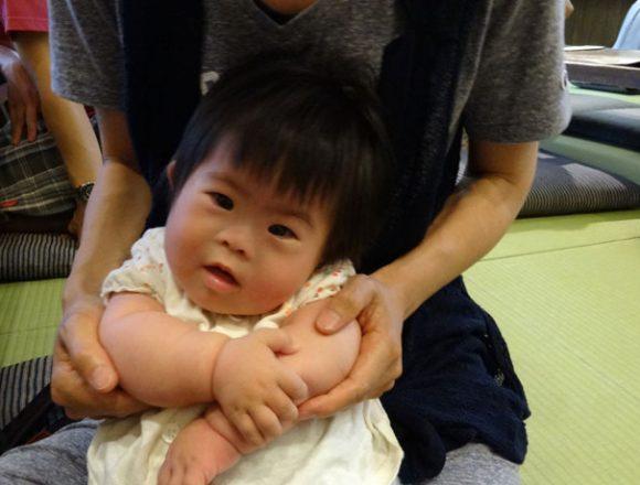 ダウン症児・7か月・伊賀の里もくもく手作りファーム