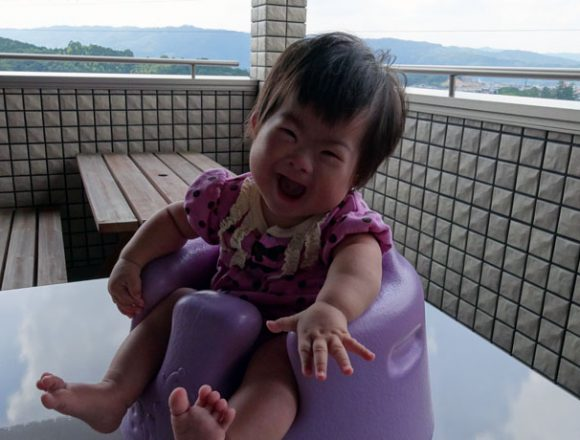ダウン症児とバンボチェア