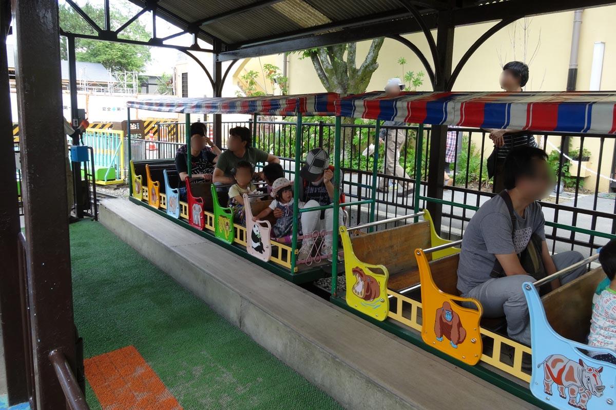 京都市動物園の電車
