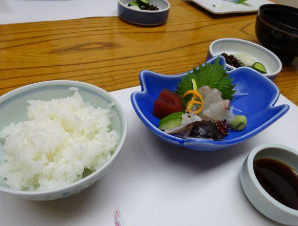 茶六別館の夕食・造り